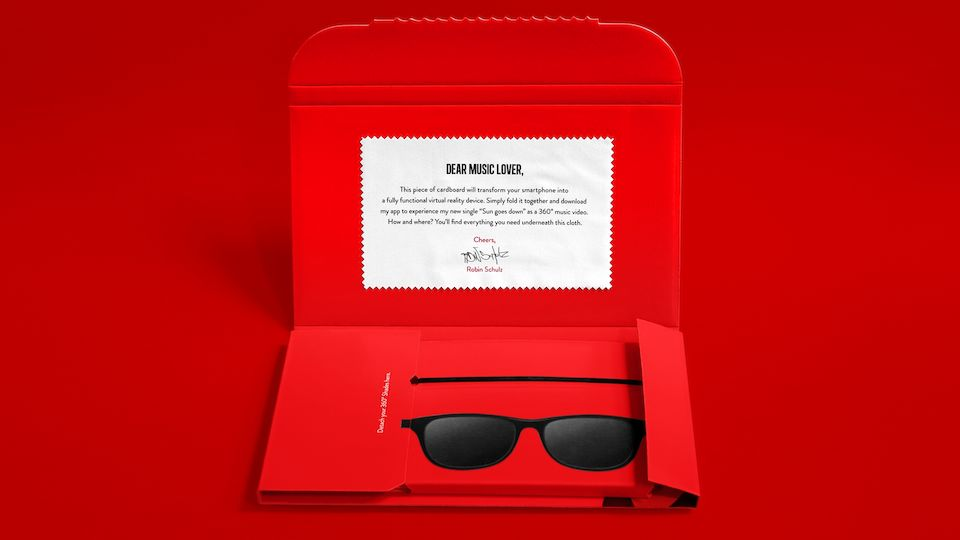 The Robin Schulz 360° Mailing from the inside